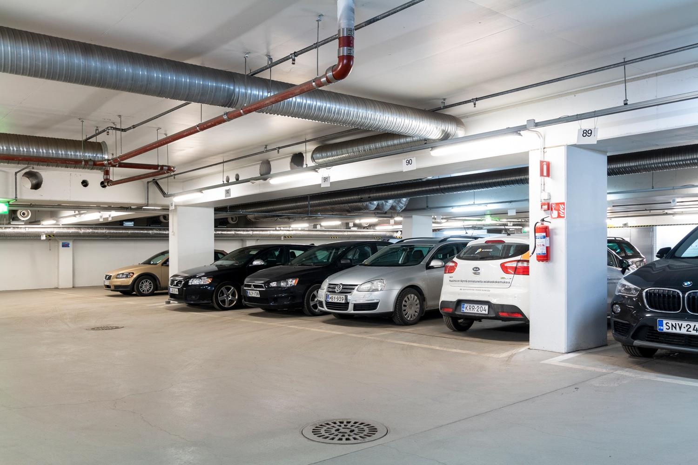 Toimitilat Helsinki | autohalli